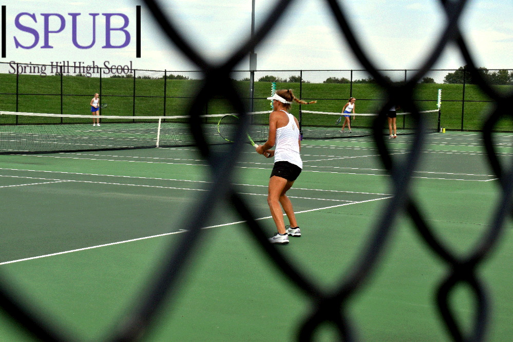 On+Sept.+10%2C+Izzy+Williams%2C+11%2C+waits+on+the+defensive.+Williams+won+first+place+at+first+singles+and+went+3-0.+%28Photo+by+L.Kuhn%29