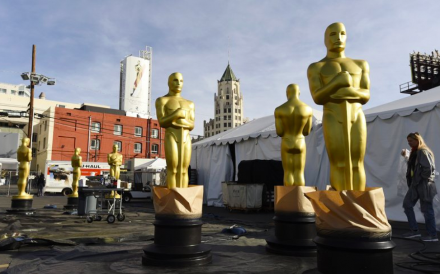 On+Feb.+5%2C+Oscar+Statues+stood+outside+while+Hollywood+Boulevard+in+preparations+for+the+big+event+on+Feb.+9.+The+Oscars+viewership+was+down+for+the+second+year+in+a+row+%28Photo+Courtesy+of+AP+photo+and+Chris+Pizzello%29.+
